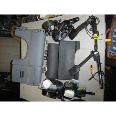 Bezpečnostný pás s pyropatrónom